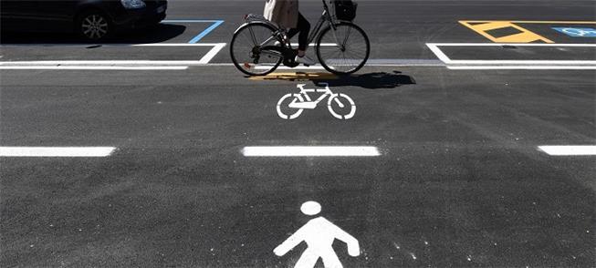 Faixas emergenciais para pedestres e ciclistas em