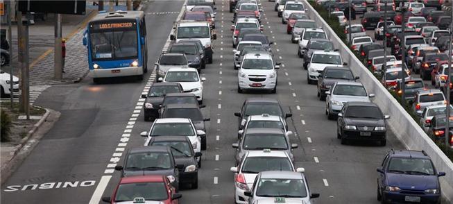 Faixas exclusivas: prioridade ao transporte mais r
