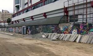 Feirantes e moradores de Santos querem mudar traje