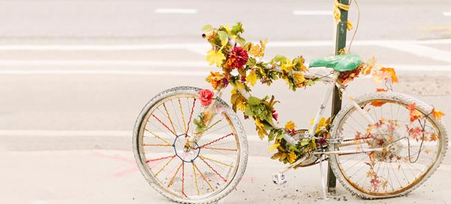 Ghost bike demarcando local de acidente
