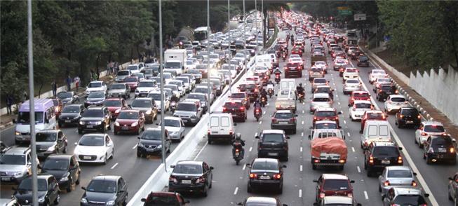 Grupo de 475 mil veículos em SP foi flagrado 4.736