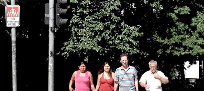 Jogo dos erros: travessia em São Paulo coloca pede