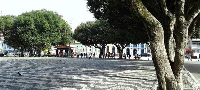 Largo São Sebastião, no Centro: espaço bem mantido