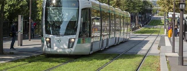 Linha T3b liga Porte de la Chapelle a Porte d'Asni