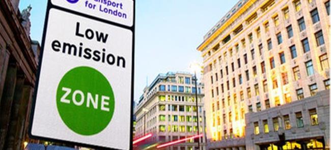 Londres impõe taxa e fecha o cerco a carros poluid