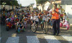 Luiz André em ação, nas ruas de Santa Rita (PB)