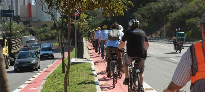 Maioria pedalaria mais se vias e segurança fossem