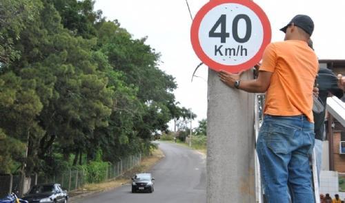 Mais de 5 mil placas de trânsito reinstaladas em B