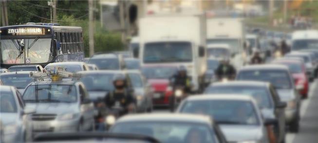 Moradores pedem faixas exclusivas também em rodovi
