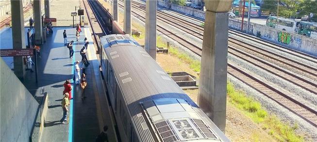 Movimento na Estação Belém