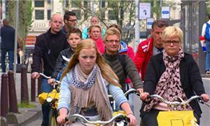 Na Holanda, o trânsito de bicicletas é intenso
