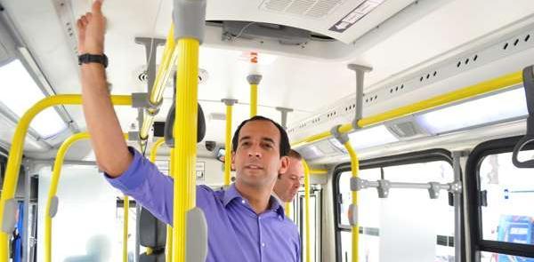 Novos ônibus com ar condicionado