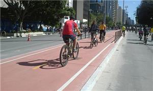 Número de ciclistas na Paulista aumenta