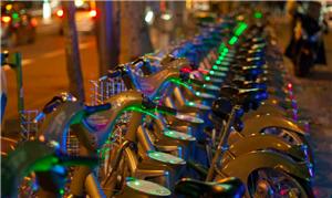 O relatório dá dicas para um bom sistema de bikes
