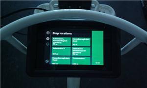 O tablet a bordo com interface em inglês  Read mor