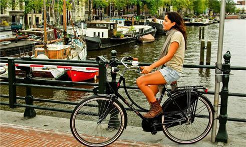 O uso da bicicleta é algo comum na Holanda