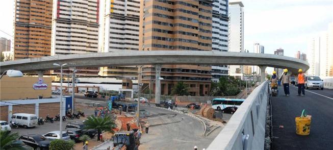 O viaduto do Cocó, em Fortaleza: interferência na