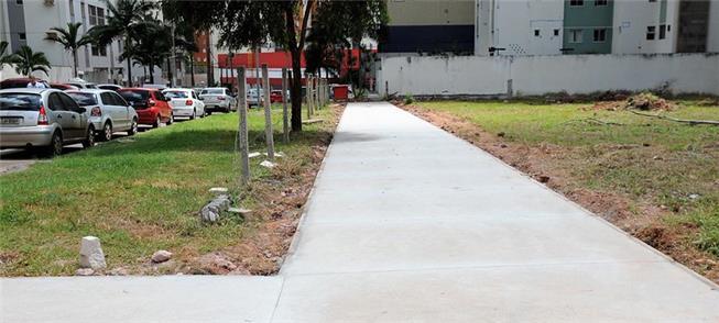 Obra de calçada em execução no distrito de Águas C