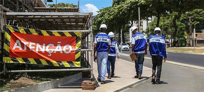 Obras do circuito Barra-Ondina retiram espaço do p