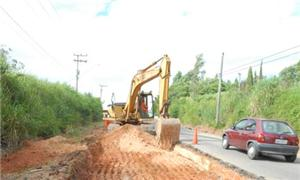 Obras na Estrada Velha de Itu