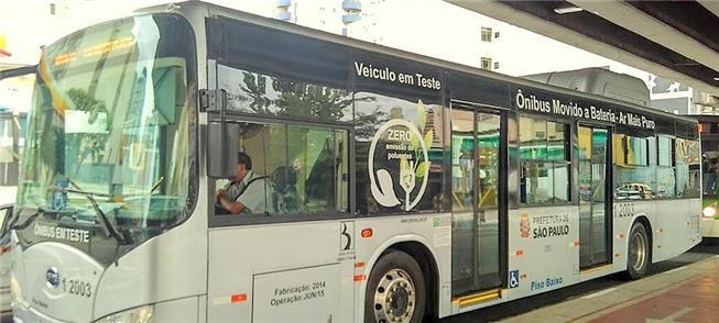 Ônibus a bateria circulou para testes em SP