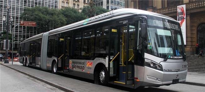 Ônibus articulado no Centro de São Paulo