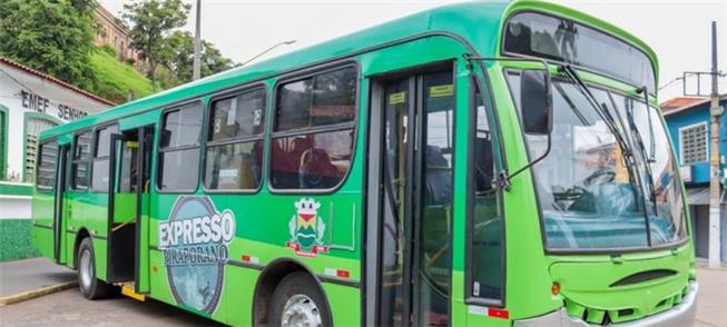 Ônibus do Expresso Social Piraporano: