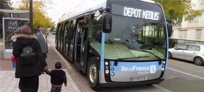 Ônibus do futuro circula por Paris, e é 100% elétr