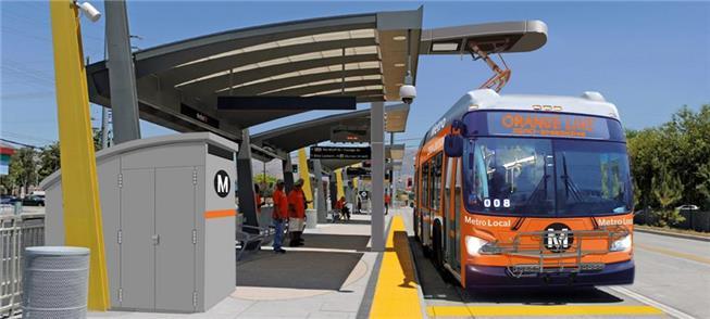 Ônibus elétrico a bateria operando em Los Angeles,