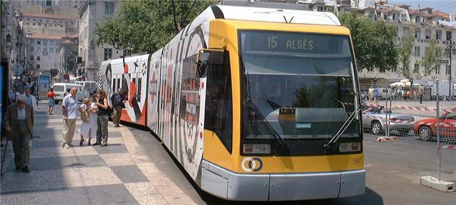 Ônibus elétrico que circula em Lisboa