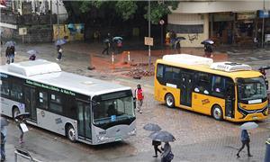Ônibus elétricos são apresentados em Porto Alegre