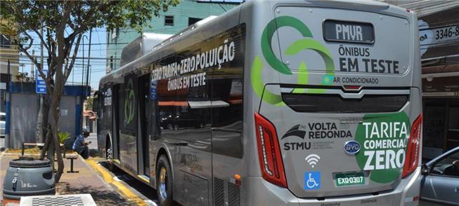 Ônibus em teste em Volta Redonda: