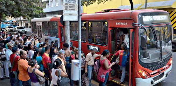 Ônibus perde três milhões de passageiros por dia,