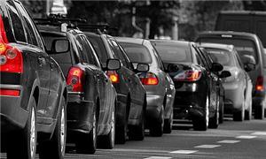 Os estacionamentos estimulam o aumento da frota na