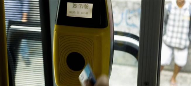 Passageiro paga tarifa cheia em ônibus intermunici