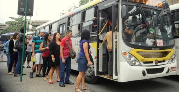 Passageiros de ônibus estariam indo para o serviço