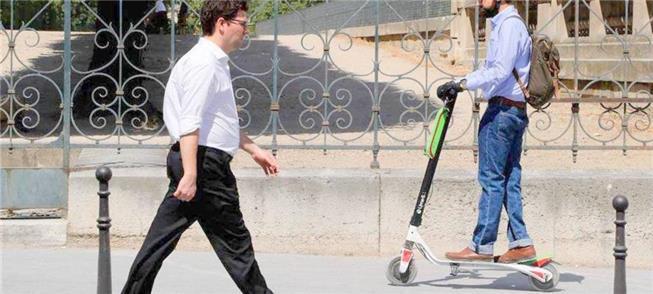 Patinetes a 6 km/h: ameaça ao pedestre?