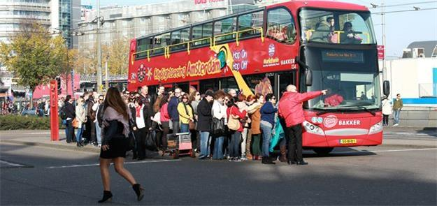 Pela mobilidade, Amsterdã já proibiu ônibus no cen