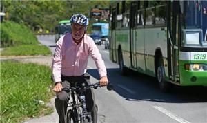 Peñalosa pedalou na SC-401 em Florianópolis