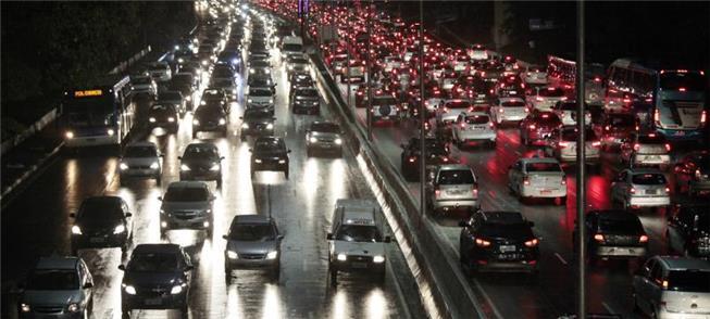 Planejar, melhor modo de combater congestionamento
