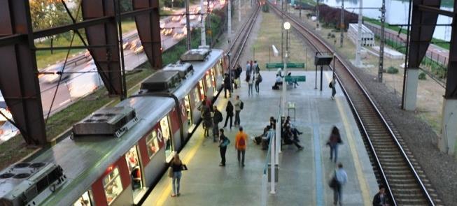 Plataforma da Estação Largo 13, da CPTM, em São Pa