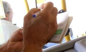 Preenchimento de formulário para idosos suspenso