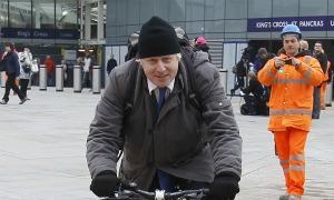 Prefeito Boris Johnson após a entrevista coletiva