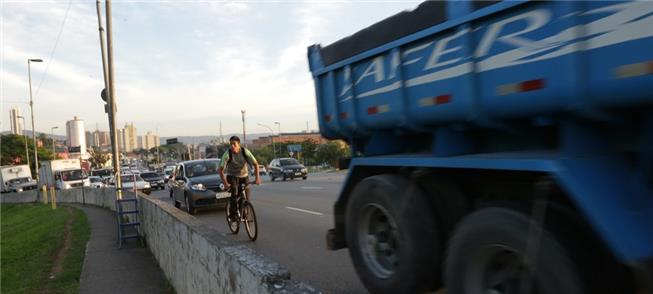 Projeto da OAB prevê maior proteção aos ciclistas