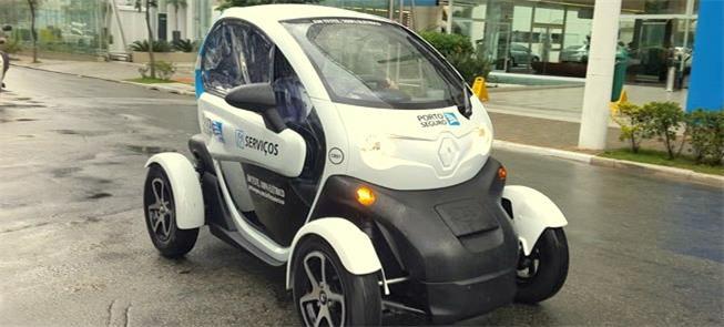 Renault Twizy elétrico circula nas ruas de S.Paulo