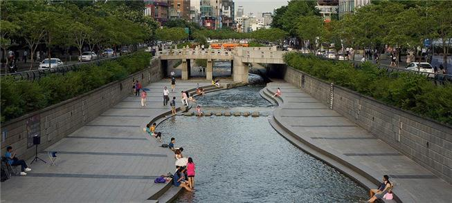 Rio Cheonggyecheon, Seul (Coreia do Sul)