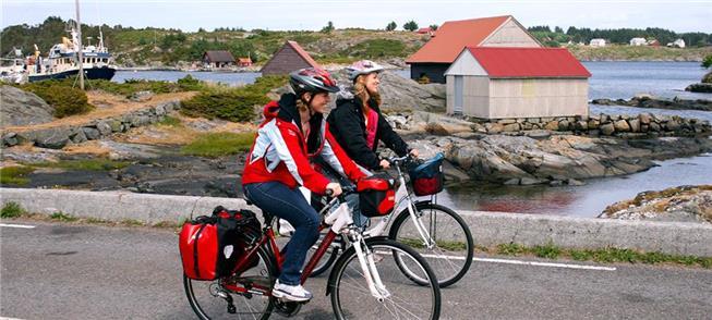 Rota de bicicleta na Costa de Hordaland, Noruega