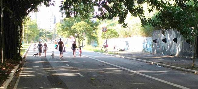 Rua aberta para pedestres em São Paulo