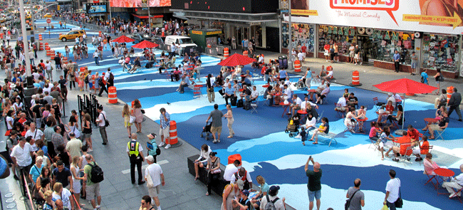 Rua em Nova York recebe trabalho da artista Molly