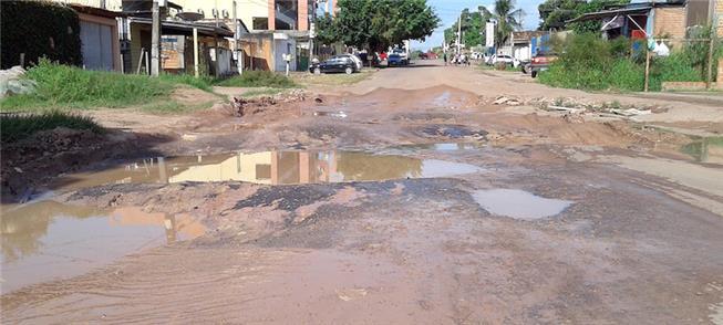 Ruas de Macapá em condições precárias